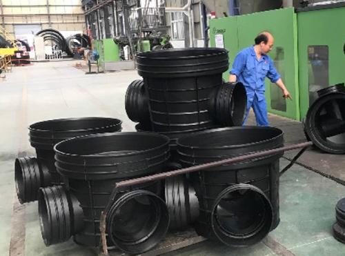 加筋塑料检查井